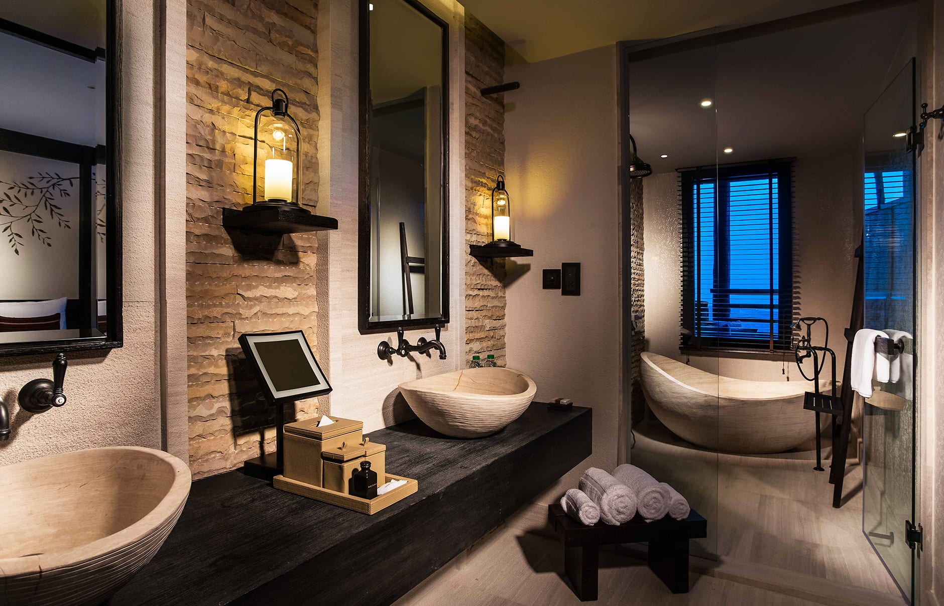 Suite bathroom. Alila Jabal Akhdar, Nizwa, Oman. © Alila Hotels and Resorts