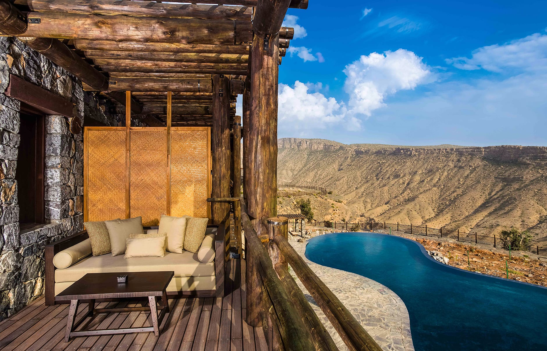 Alila jabal akhdar luxury hotels travelplusstyle for Hotel luxe france