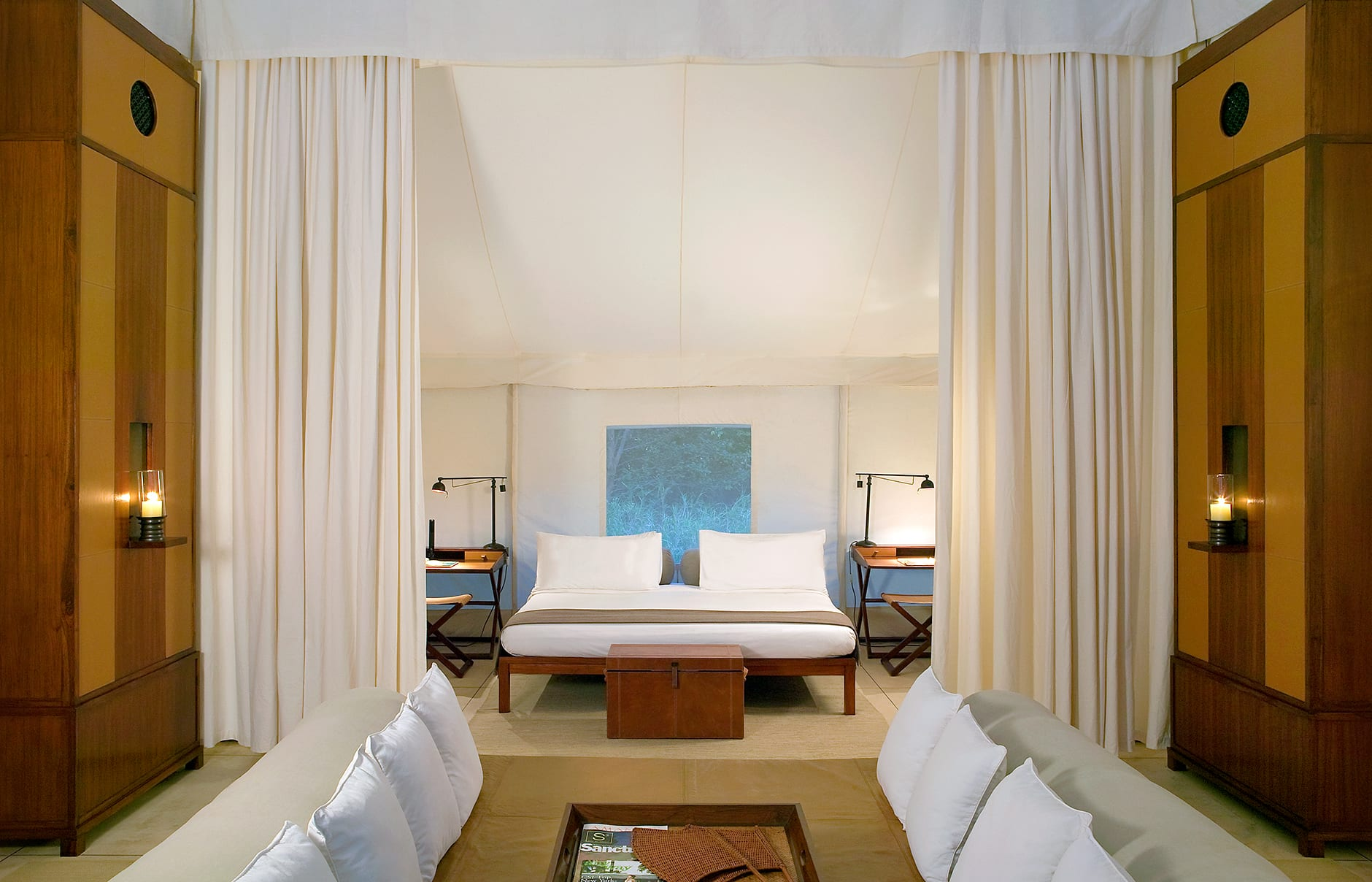 Tent Bedroom and Daybed. Aman-i-Khas, Ranthambhore, India. © Amanresorts