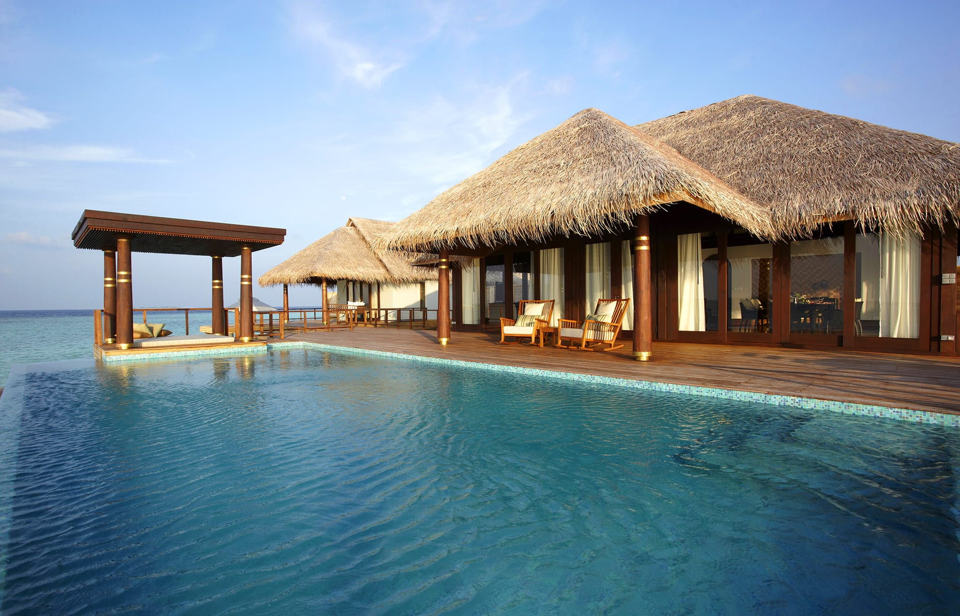 Anantara kihavah villas luxury hotels travelplusstyle for Villas wallpaper