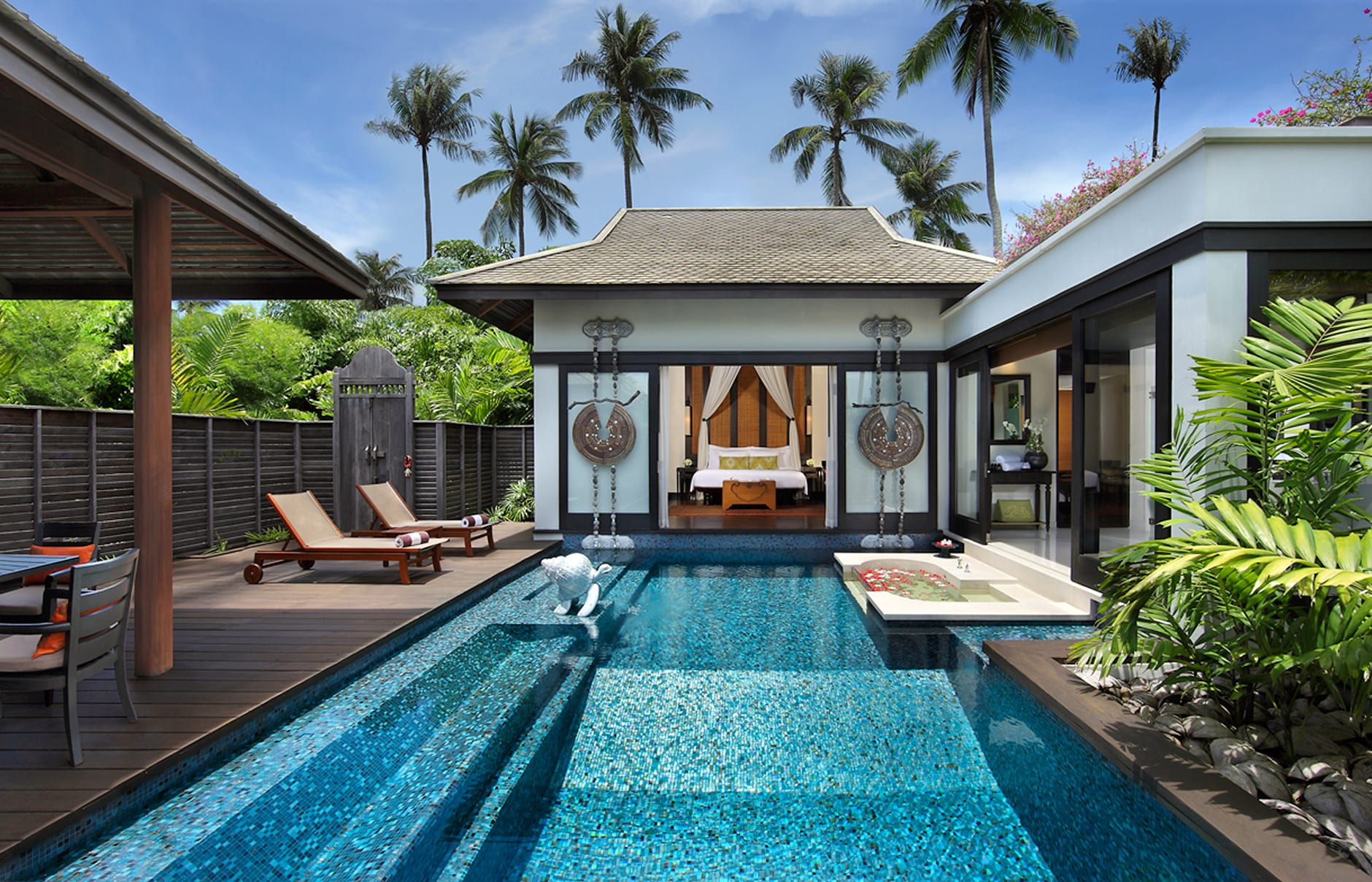 Anantara phuket villas luxury hotels travelplusstyle for Garden pool villa outrigger koh samui
