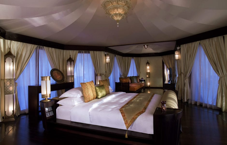 Al Khaimah Tented Pool bedroom © Banyan Tree Hotels & Resorts