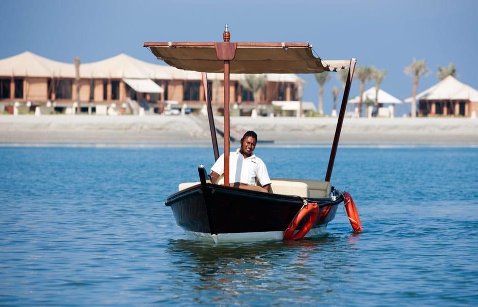 Arrival by boat. Banyan Tree Ras Al Khaimah Beach. © Banyan Tree Hotels & Resorts