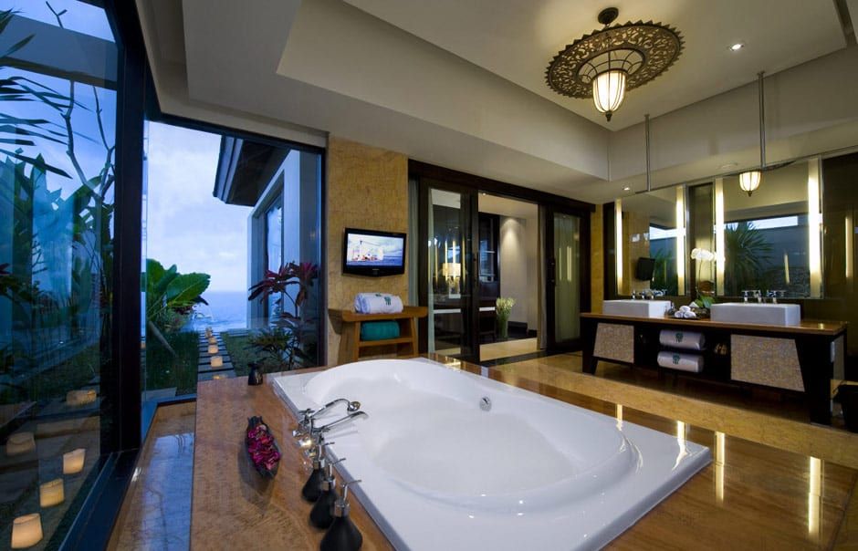 Pool Villa Bathroom. © Banyan Tree Hotels & Resorts