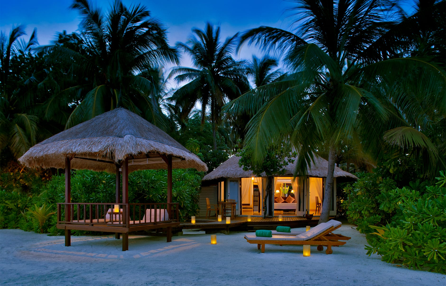 Beachfront Pool Villa. Banyan Tree Vabbinfaru, Maldives. © Banyan Tree Hotels & Resorts