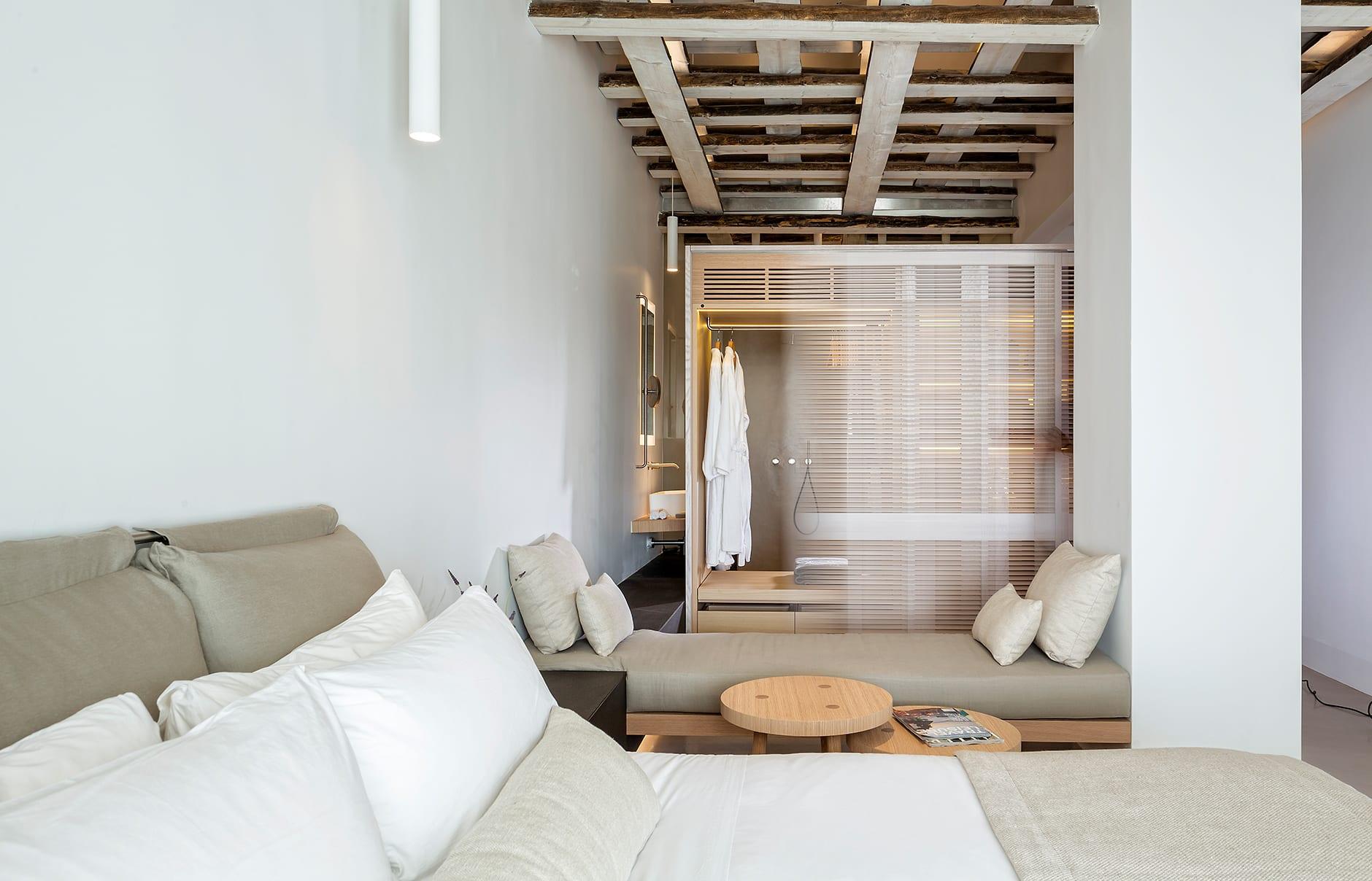 Bachelor Suite. Bill & Coo Mykonos. © Bill & Coo Mykonos