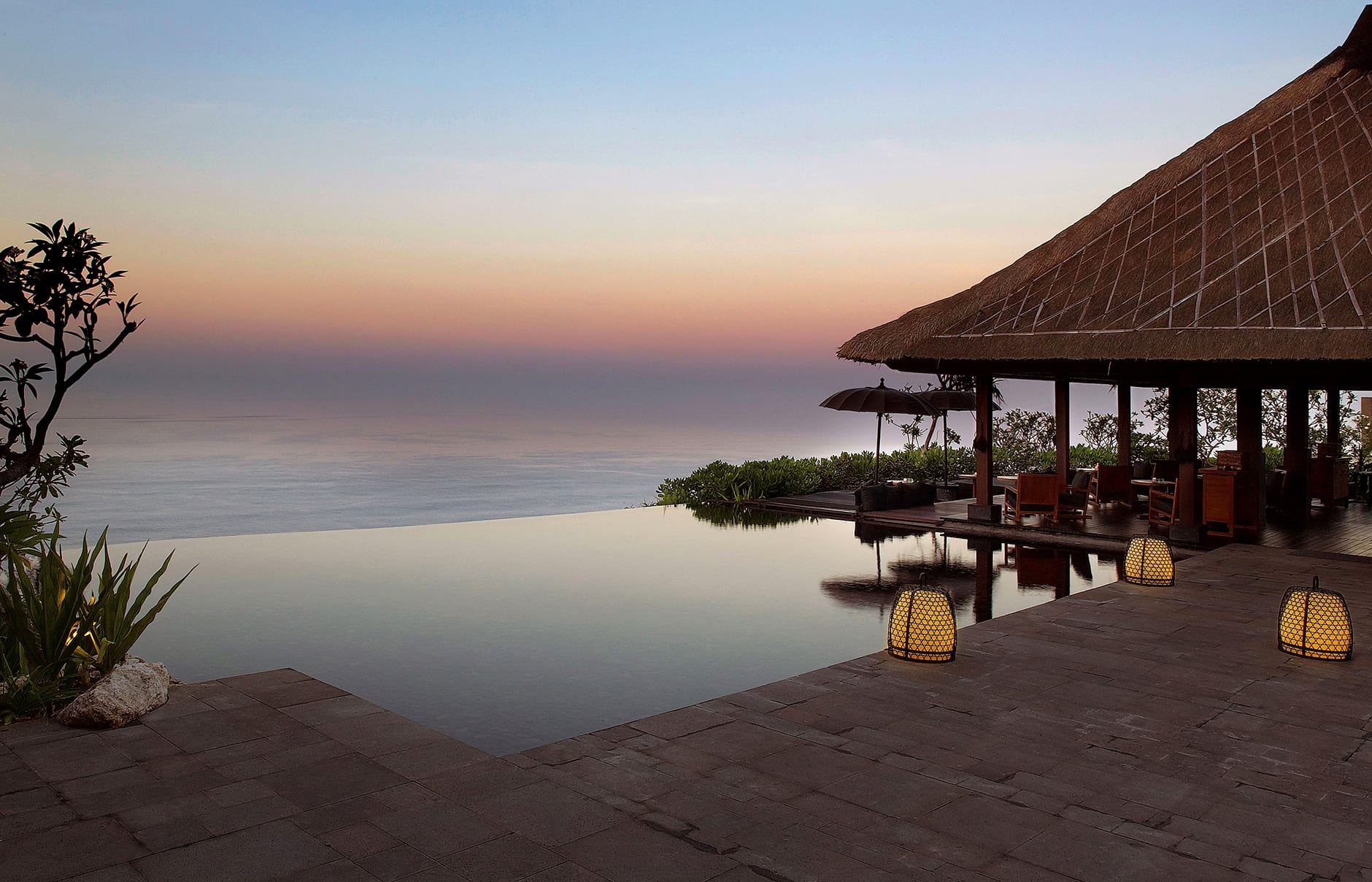 Bulgari resort bali luxury hotels travelplusstyle for Indonesia resorts bali
