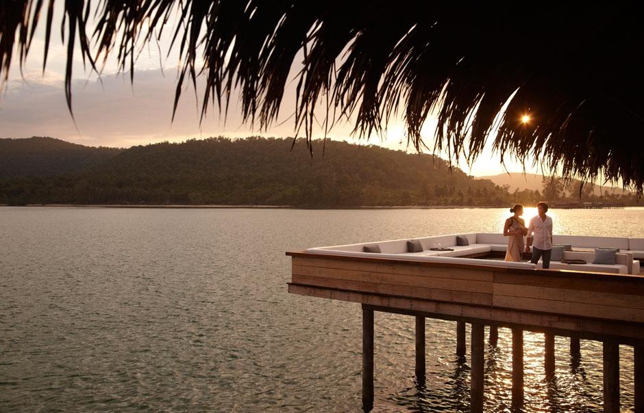 Vista Bar at sunset © Song Saa Hotels and Resorts