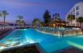 Hilton Luxor Resort & Spa Oasis Pool Bar ©  Hilton Hotels & Resorts
