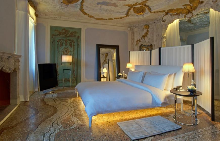 Aman Canal Grande Venice - Alcove Tiepolo Bedroom  Amanresorts