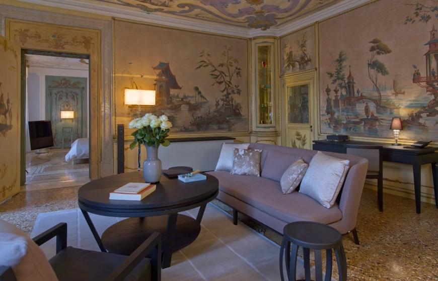 Aman Canal Grande Venice - Alcove Tiepolo Living Room © Amanresorts