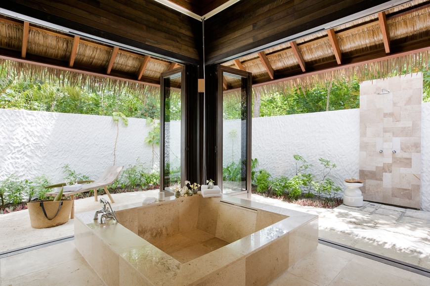 Garden Suite, bathroom tub. TravelPlusStyle.com