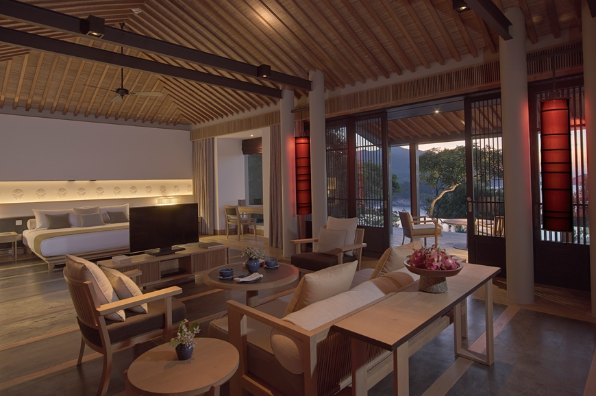 12692  870x pool pavilion interior