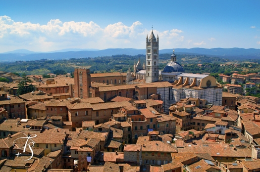 The town of Siena - Tuscany Italy © Travel+Style
