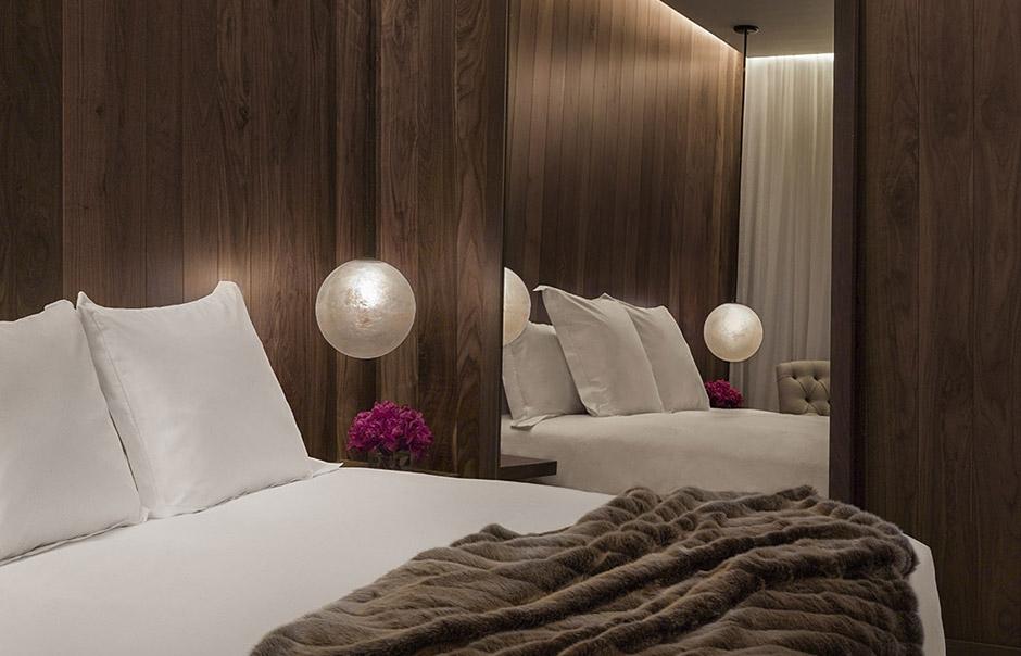 Guest Room. The London Edition Hotel, London, UK. © Nikolas Koenig