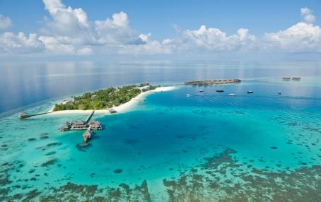 Around the Island. Huvafen Fushi Maldives. © Per AQUUM