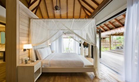Garden Suite bedroom. Maalifushi by COMO, Maldives. © COMO Hotels & Resorts