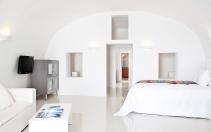 Chromata Up Style Hotel, Santorini. © Chromata Up-Style Hotel