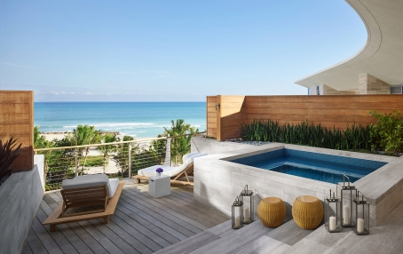 Premier Bungalow Ocean Front Suite. The Miami Beach EDITION, USA. © EDITION Hotels