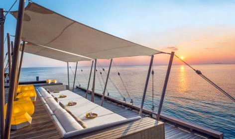 Sip Lounge. W Maldives, Fesdu Island, Maldives. Hotel Review by TravelPlusStyle. Photo © Marriott International