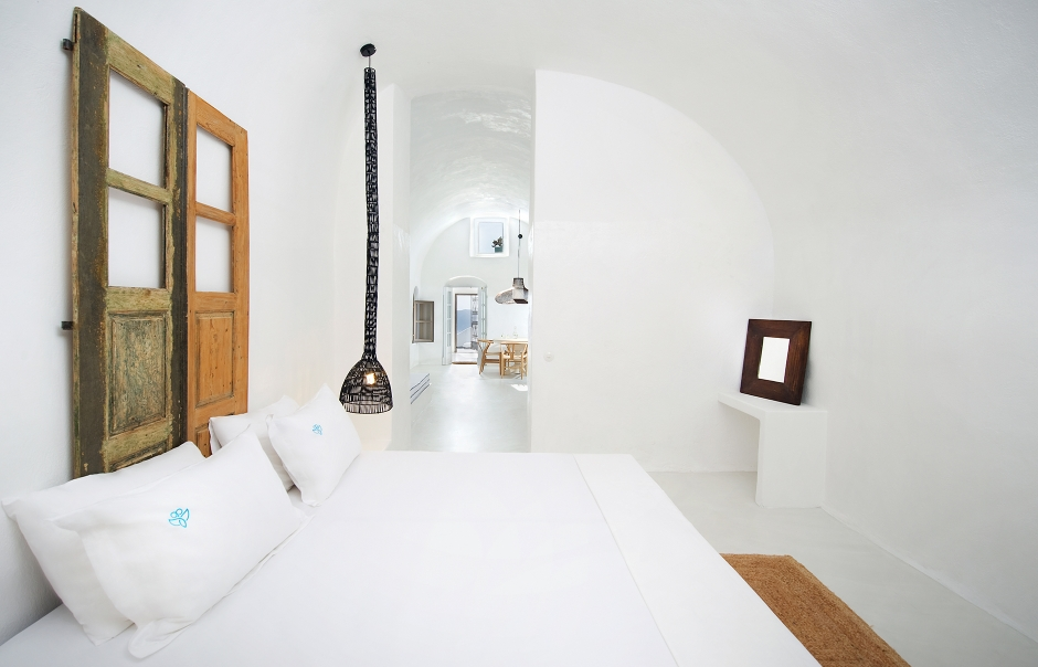 Santorinian harmony at Sophia Luxury Suites   23250  940x room 2037