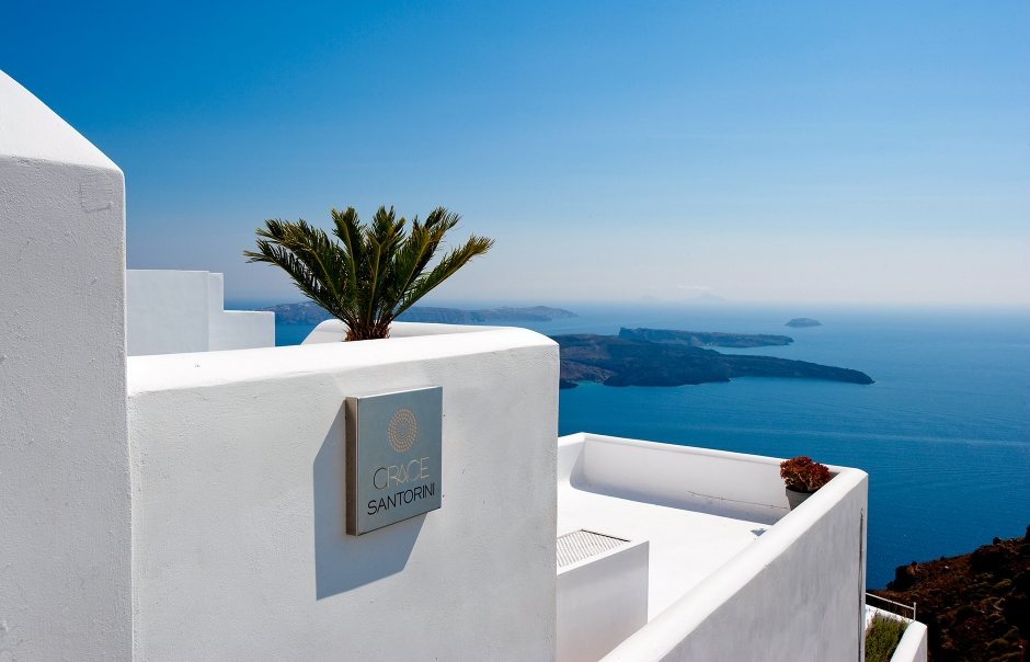 Grace Hotel Santorini, Greece. Luxury Hotel Review by TravelPlusStyle. Photo © Auberge Resorts Collection