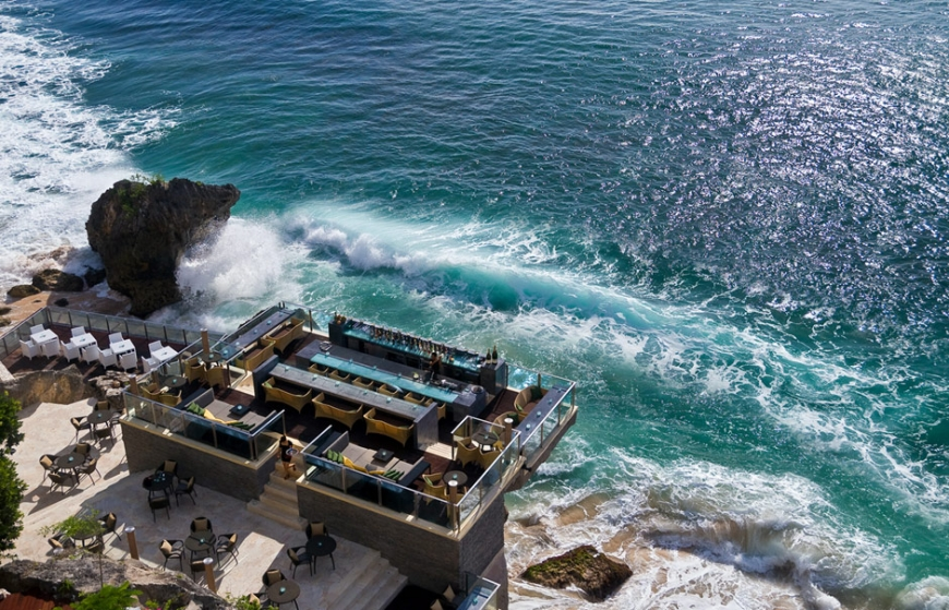 The Rock Bar in Ayana Resort & Spa. © Ayana