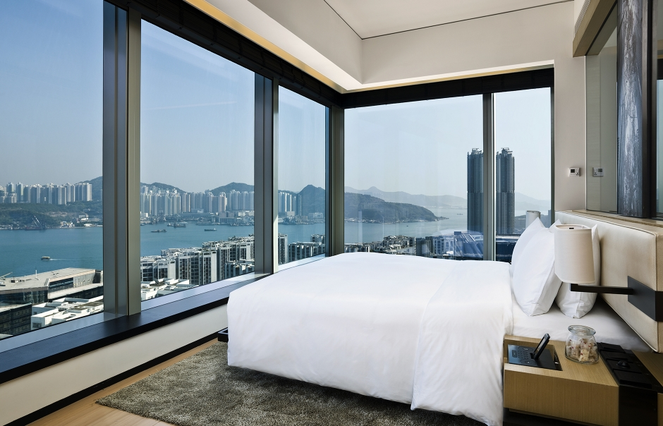 Harbour corner. EAST, Hongkong. © Swire Hotels