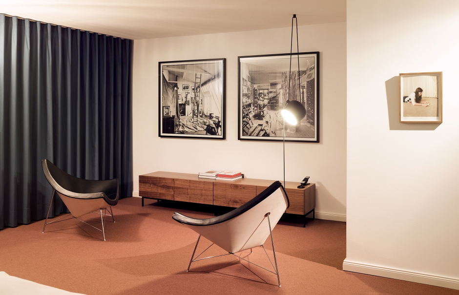 a living archive the qvest hideaway in cologne luxury hotels travelplusstyle. Black Bedroom Furniture Sets. Home Design Ideas