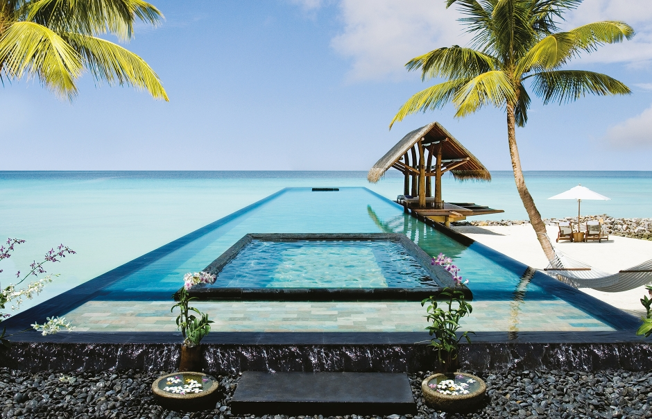 Infinity Pool. One&Only Reethi Rah, Maldives. © One&Only Resorts