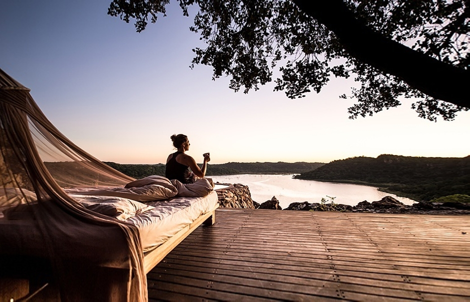 12 most romantic star beds in africa luxury hotels for Beds zimbabwe
