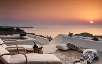 Santo Maris Oia Luxury Suites & Spa in Oia Santorini, Greece. © Santo Maris Oia