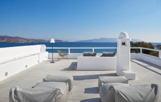 Litore Suite,Pollonia. Milos, Greece. Travelplusstyle.com