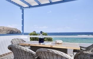 Villa Del Mar, Pollonia. Milos, Greece. Travelplusstyle.com