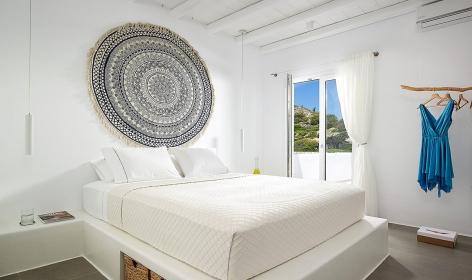 Villa Vipera,Triovasálos. Milos, Greece. Travelplusstyle.com