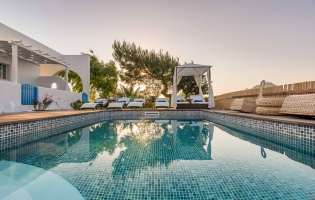 Eiriana Luxury Suites, Plaka Milou. Milos, Greece. Travelplusstyle.com