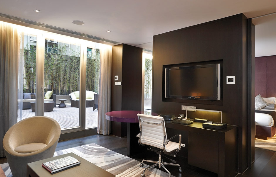 Suite. The Mira Hong Kong. © Miramar Hotel and Investment Company, Limited