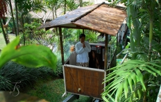 The cable tram, Ubud Hanging Gardens Hotel. Photo © Travel+Style
