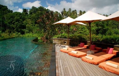 Main pool, Ubud Hanging Gardens Hotel. Photo © Travel+Style