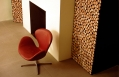 A design chair in the hotel lobby © Lungarno Alberghi S.r.l.