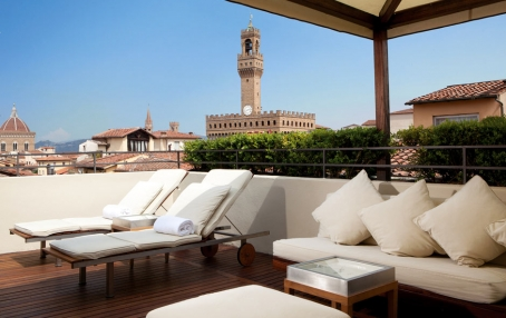 Boutique hotel continentale in florence unveils roof for Great small hotels italy