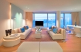 Wow Suite living room © Starwood Hotels & Resorts Worldwide, Inc.