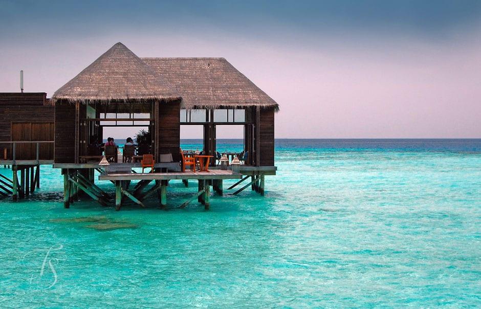 Conrad maldives rangali island luxury hotels travelplusstyle for Ithaa prices