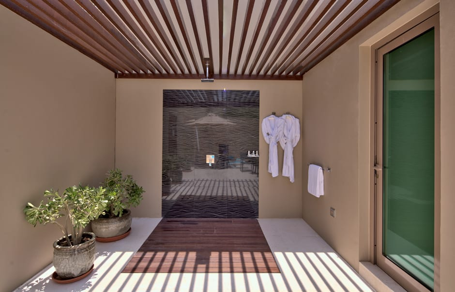 Polo Villa Outdoor Shower. Desert Palm, Dubai. © Per AQUUM