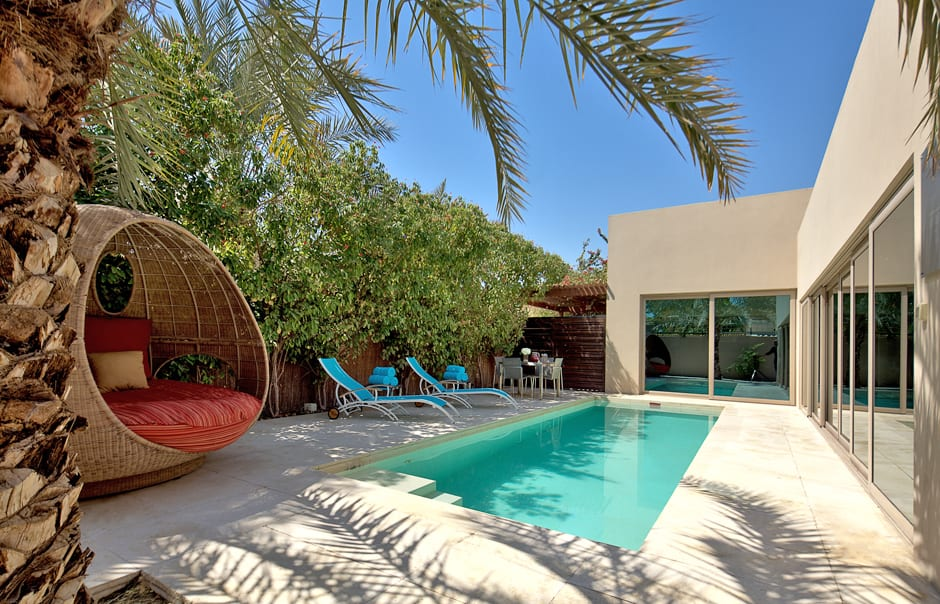 Desert palm dubai luxury hotels travelplusstyle for Pool design dubai