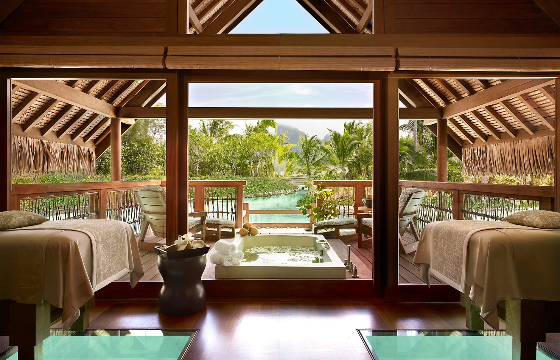 Four seasons resort bora bora luxury hotels travelplusstyle for Luxury hotel packages