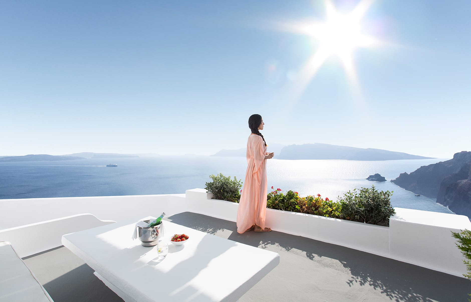 Honeymoon veranda. Katikies, Santorini. © Katikies