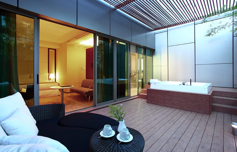 Suite Jacuzzi. Klapsons, The Boutique Hotel, Singapore. © Klapsons