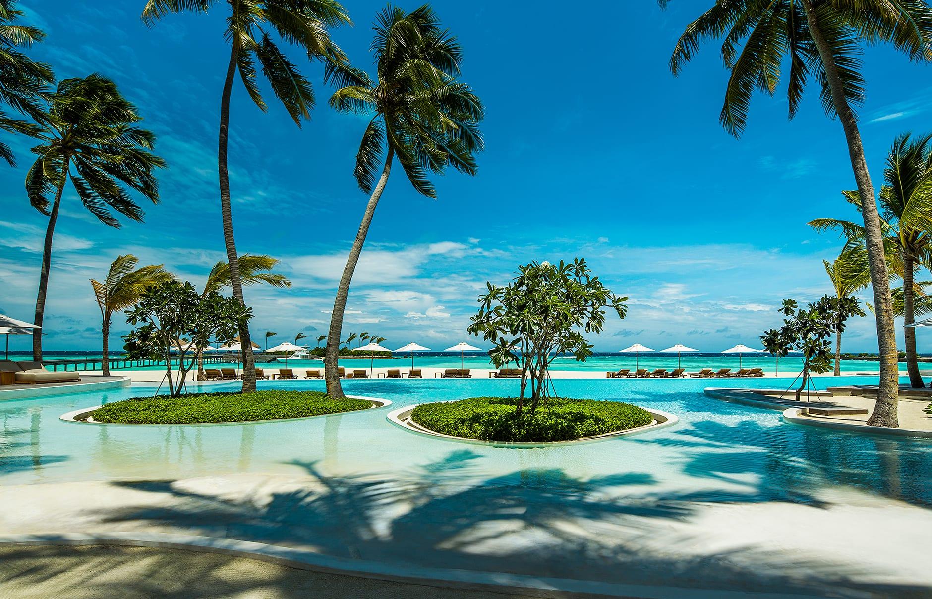 Swimming pool. Maalifushi by COMO, Maldives. © COMO Hotels & Resorts