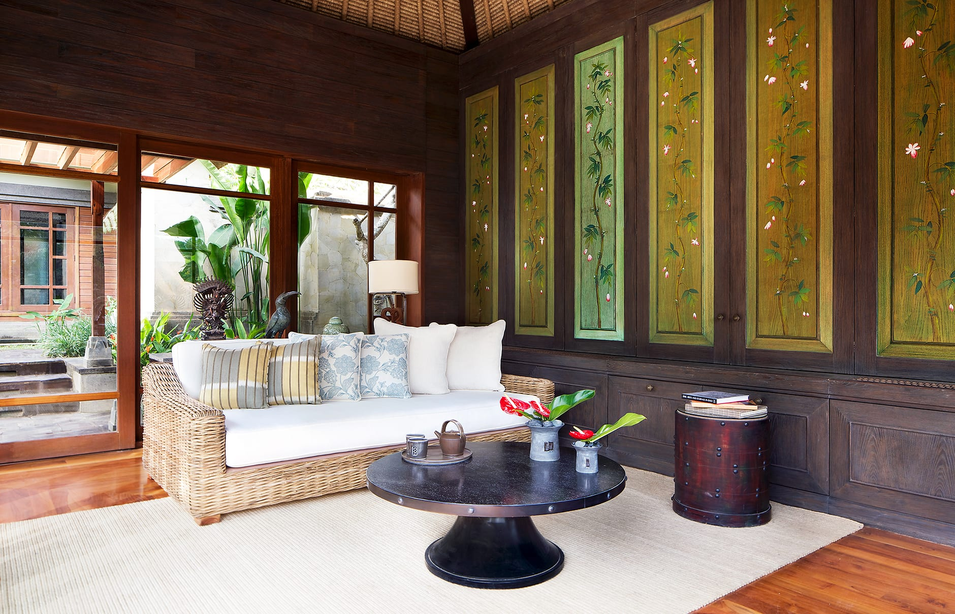 One Bedroom Pool Villa – Reading Room. Mandapa, a Ritz-Carlton Reserve, Ubud, Indonesia. © The Ritz-Carlton Hotel Company